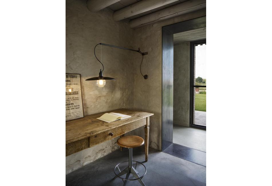 Wall Design Lamp: Meridiana   Aldo Bernardi
